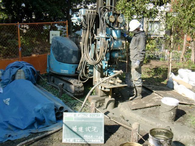 ④井戸の掘削作業