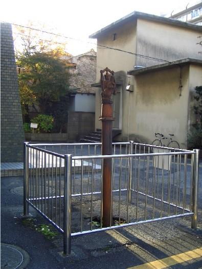 地盤沈下によって抜きあがるように見える江戸川区の井戸